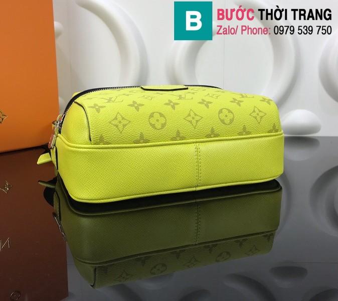 Túi Louis Vuitton Outdoor Messenger siêu cấp màu vàng chanh size 25cm - M30233