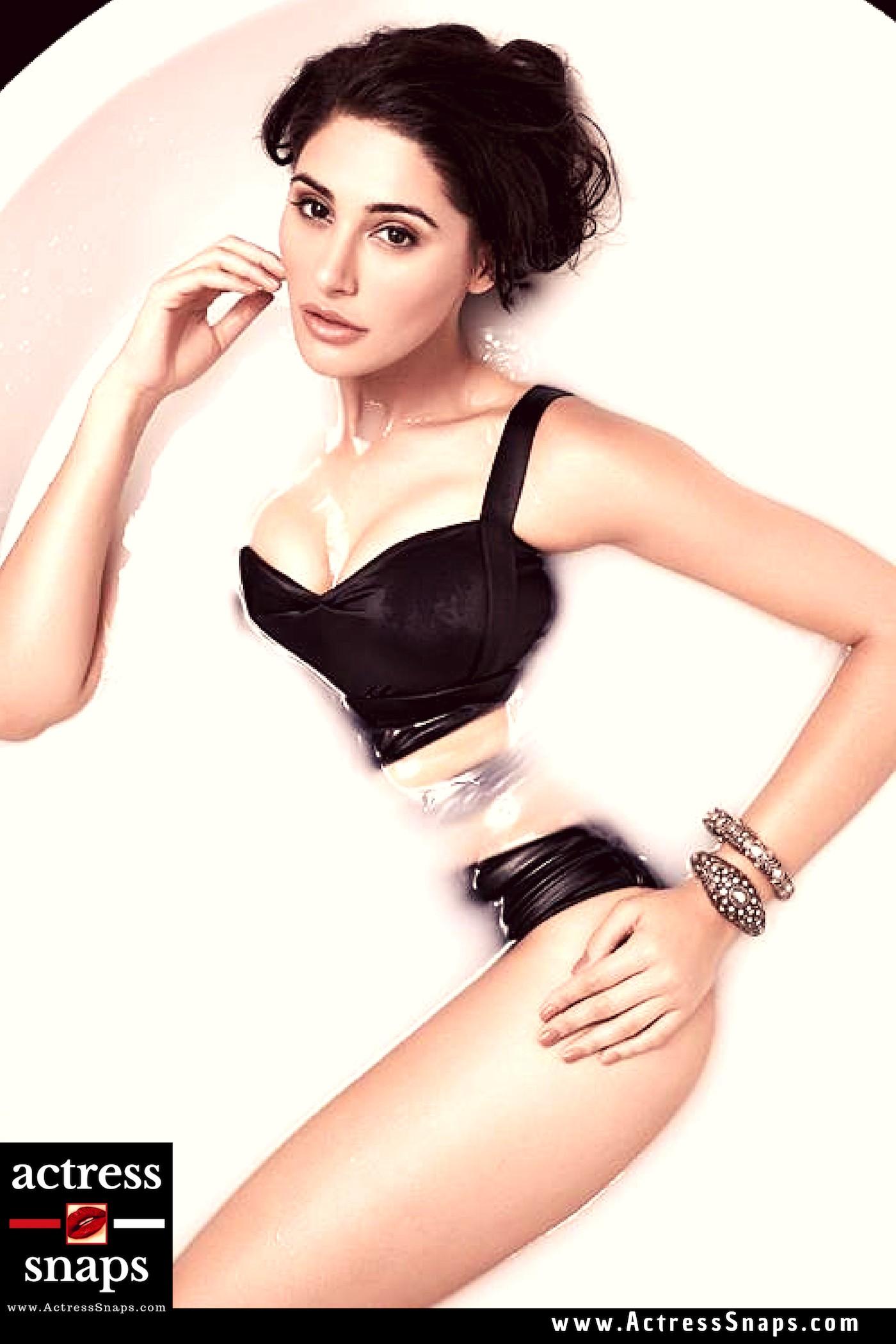Sexy Nargis Fakhri Bikini Pictures - Sexy Actress Pictures   Hot Actress Pictures - ActressSnaps.com