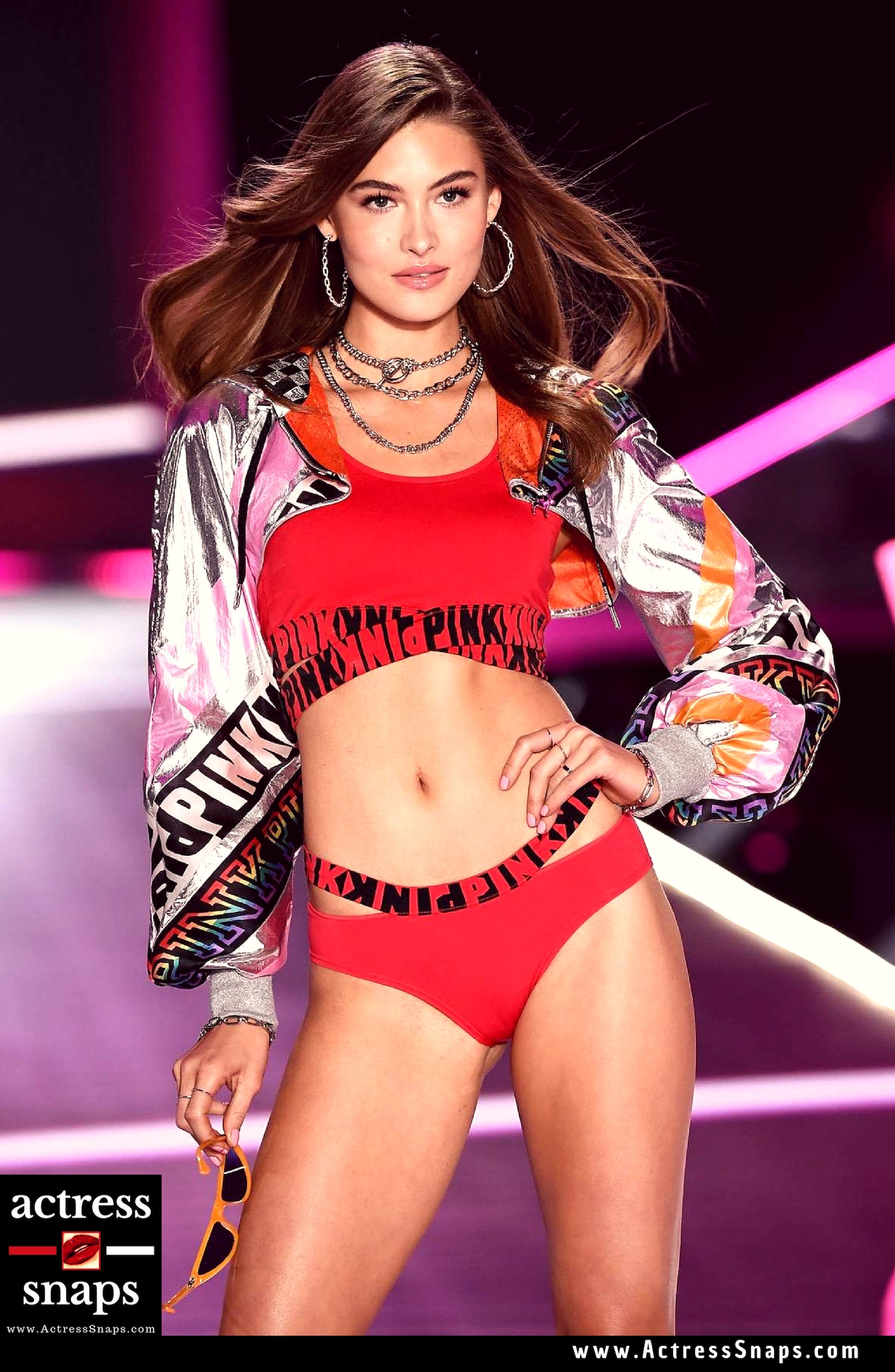 Super Model Grace Elizabeth at Victoria's Secret Show
