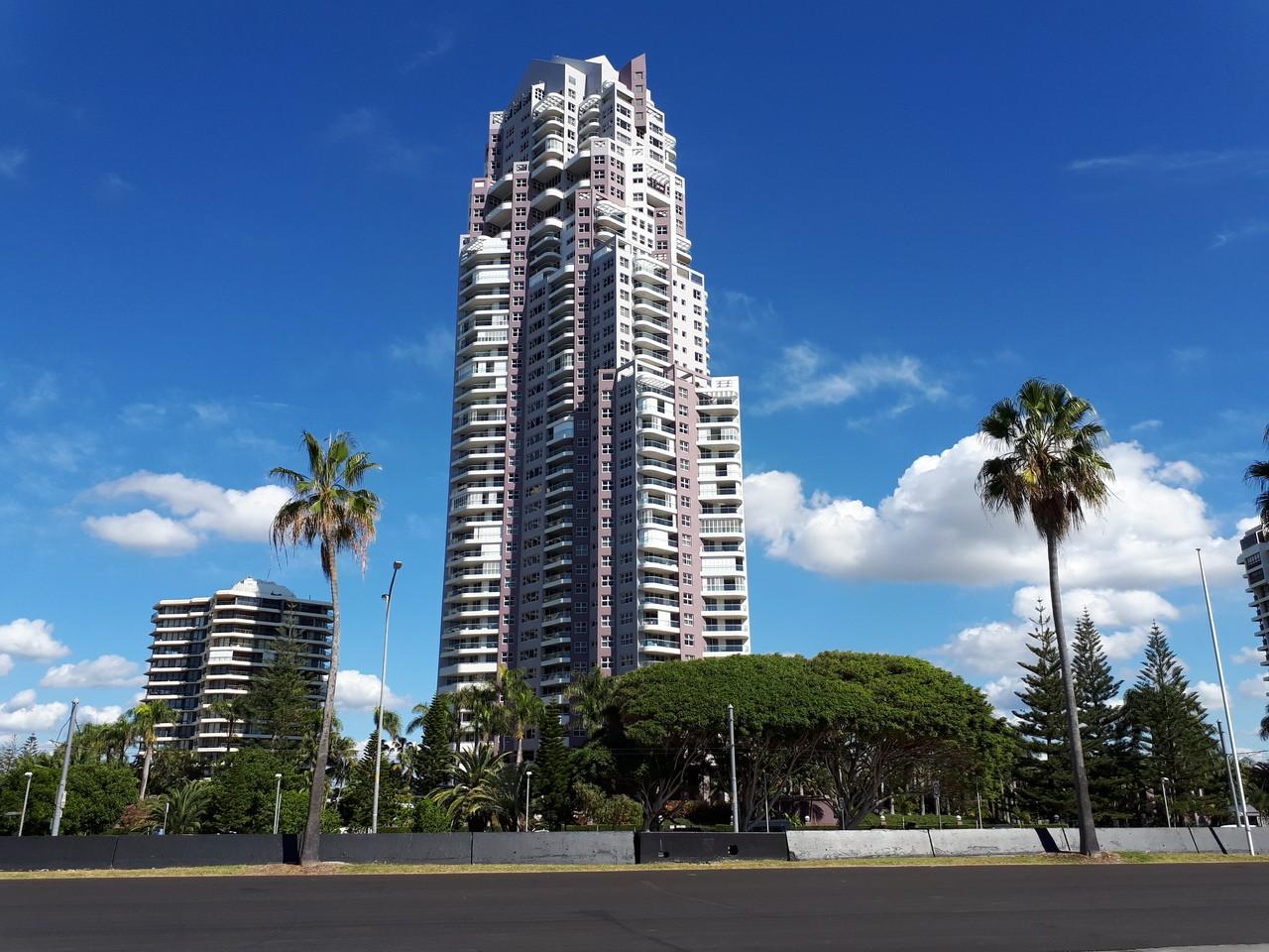 Surfers Paradise - Aug 2019 - SkyscraperCity