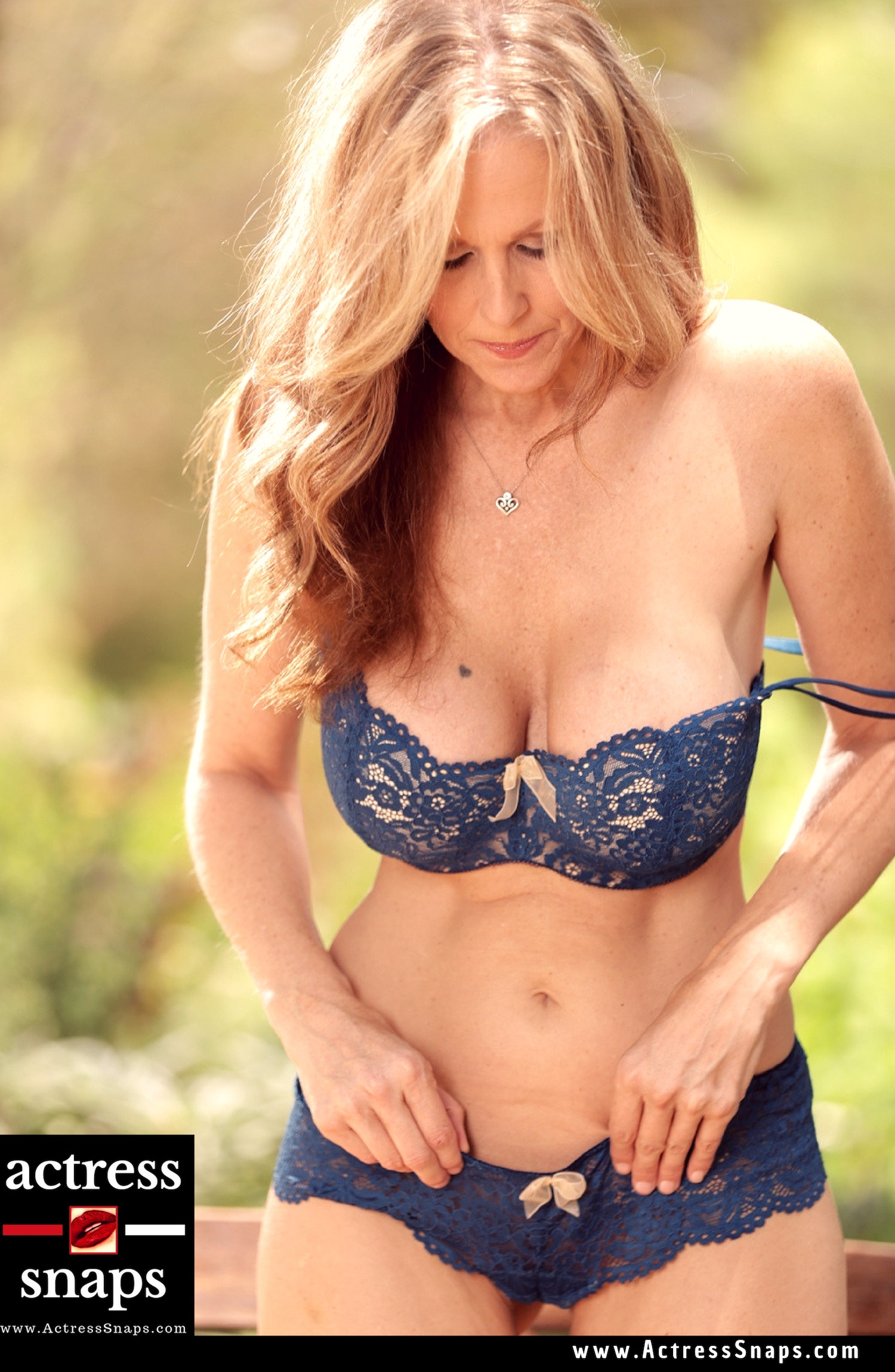 Rare Sexy Photos of Julia Ann - Sexy Actress Pictures | Hot Actress Pictures - ActressSnaps.com