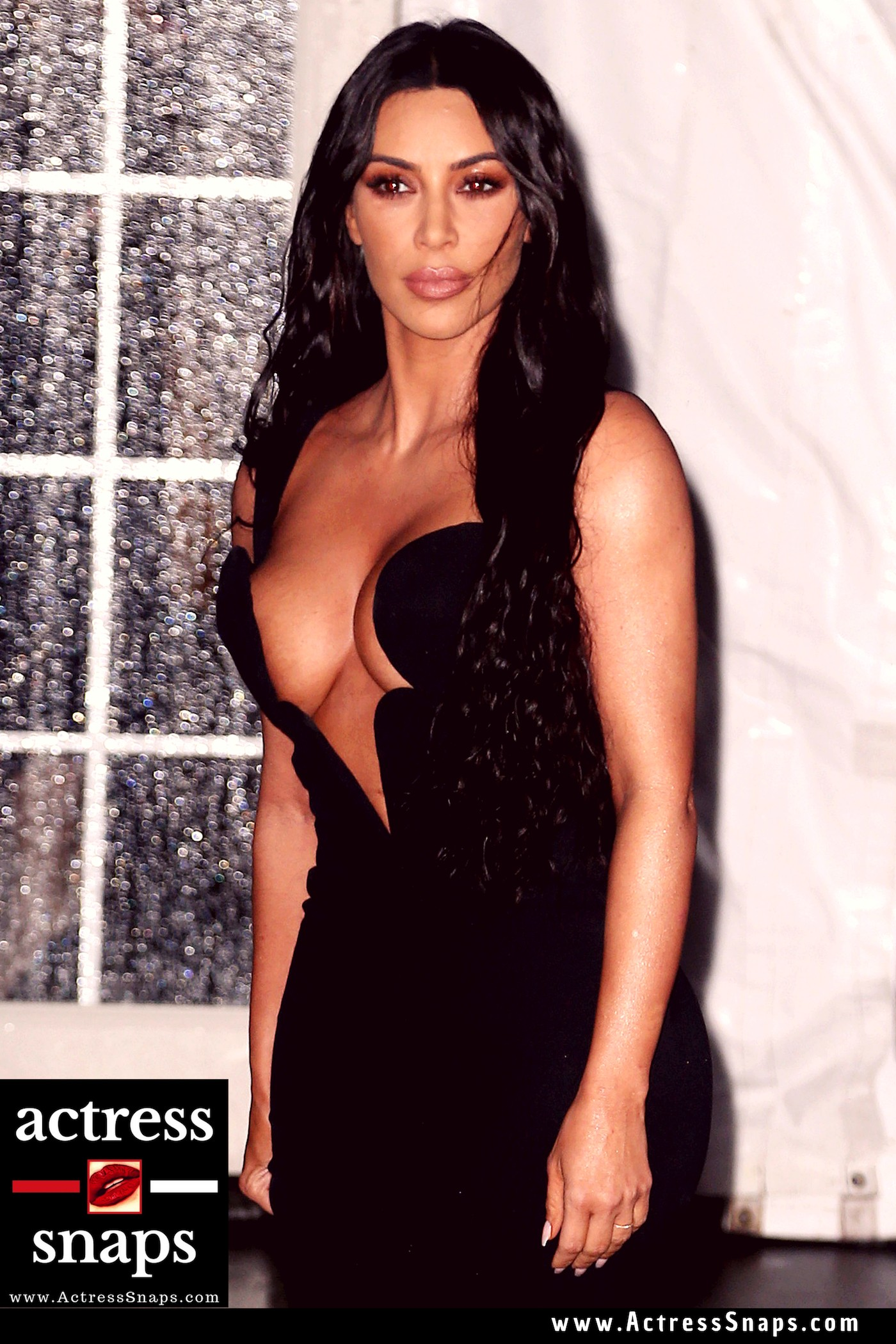 Kim Kardashian at amfAR 2019 Gala - Sexy Actress Pictures | Hot Actress Pictures - ActressSnaps.com