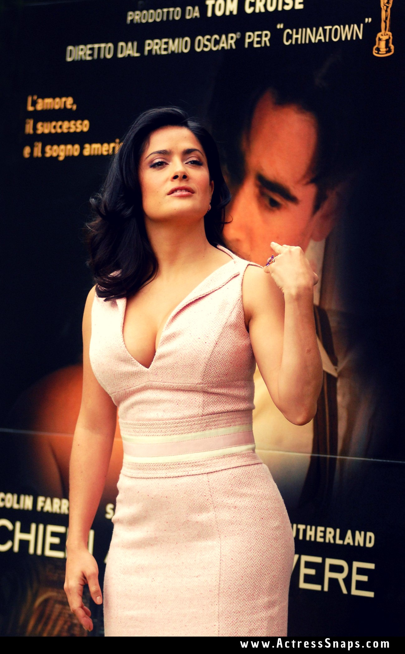 Salma Hayek Sexy Shot at Rome Photocall - Sexy Actress Pictures | Hot Actress Pictures - ActressSnaps.com