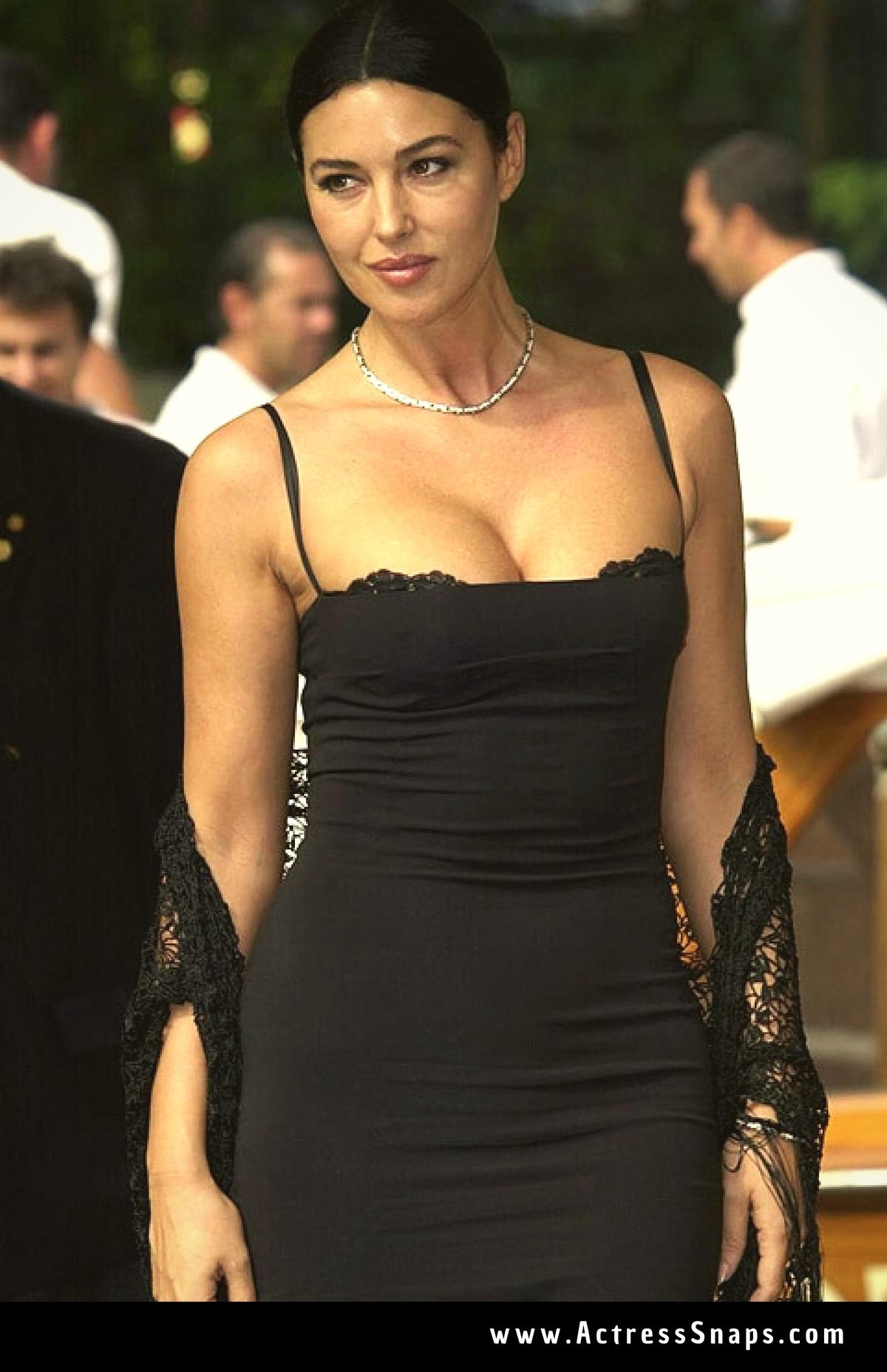 Sexy Monica Bellucci from venice Film Festival - Sexy Actress Pictures | Hot Actress Pictures - ActressSnaps.com