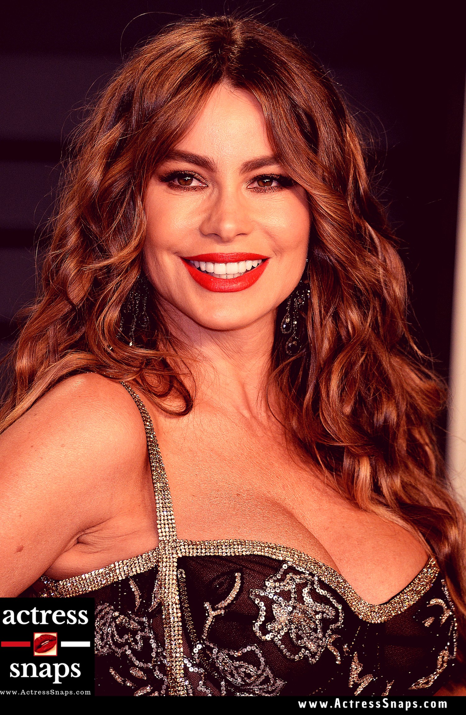 Sofia Vergara - Vanity Fair Oscar Party - Sexy Actress Pictures | Hot Actress Pictures - ActressSnaps.com