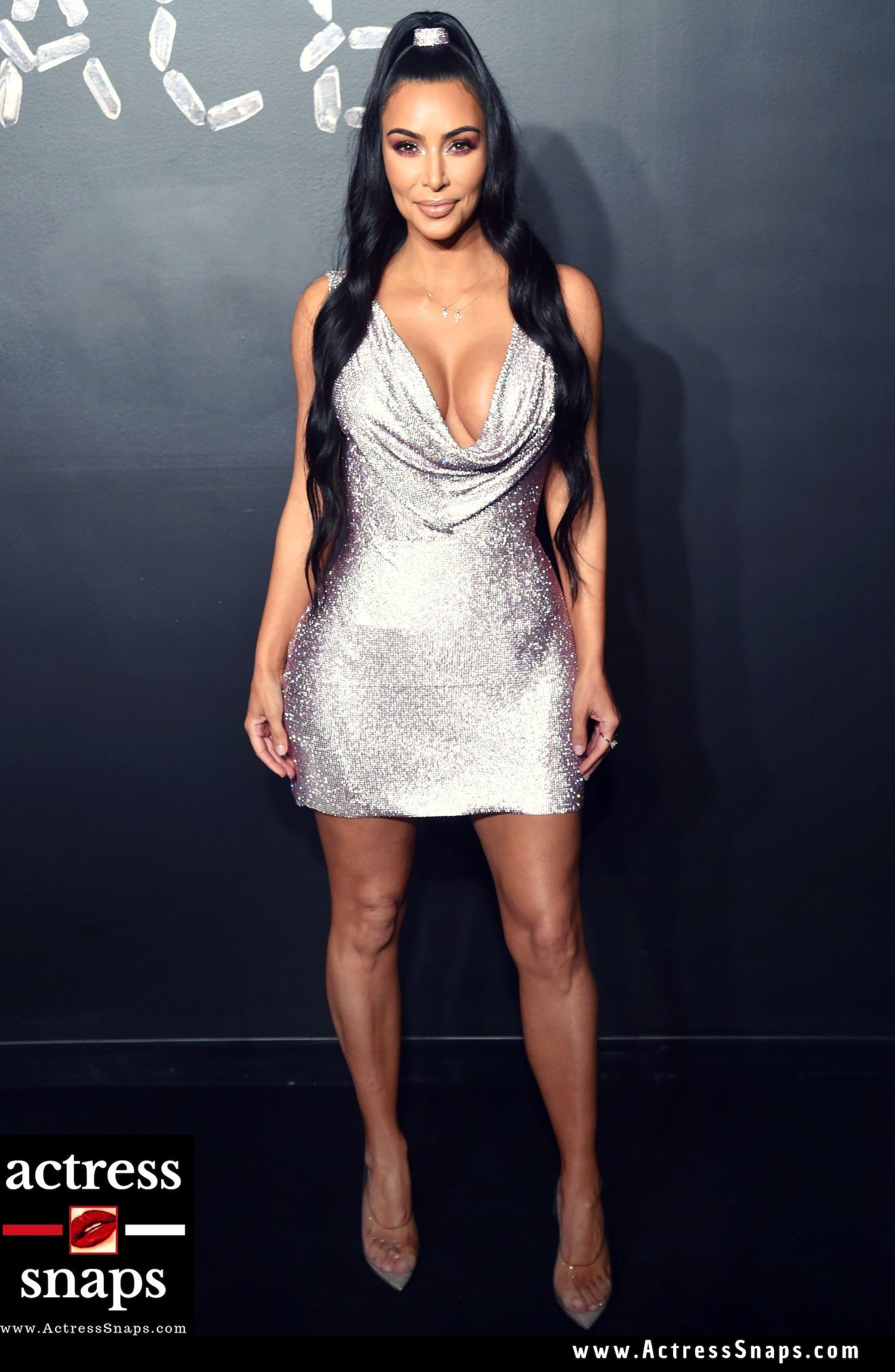 Kim Kardashian Sexy Cleavage Show - Sexy Actress Pictures | Hot Actress Pictures - ActressSnaps.com