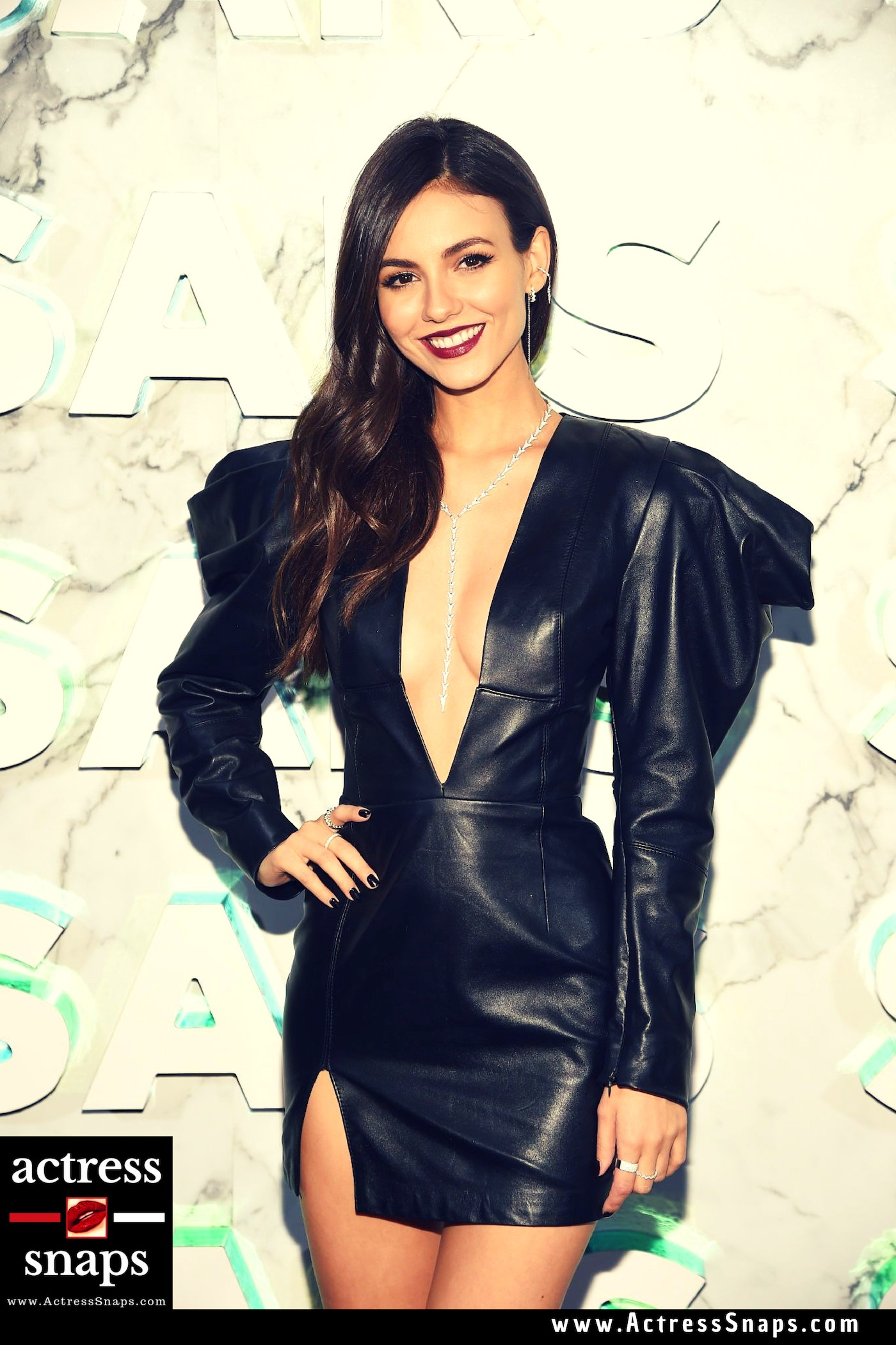 Victoria Justice - Sexy in Black - Sexy Actress Pictures | Hot Actress Pictures - ActressSnaps.com
