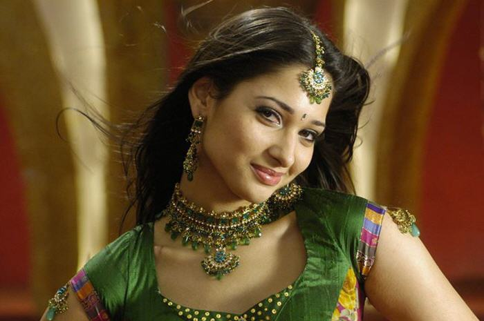 Sexy Tamanna Bhatia Navel Show Pictures - Sexy Actress Pictures | Hot Actress Pictures