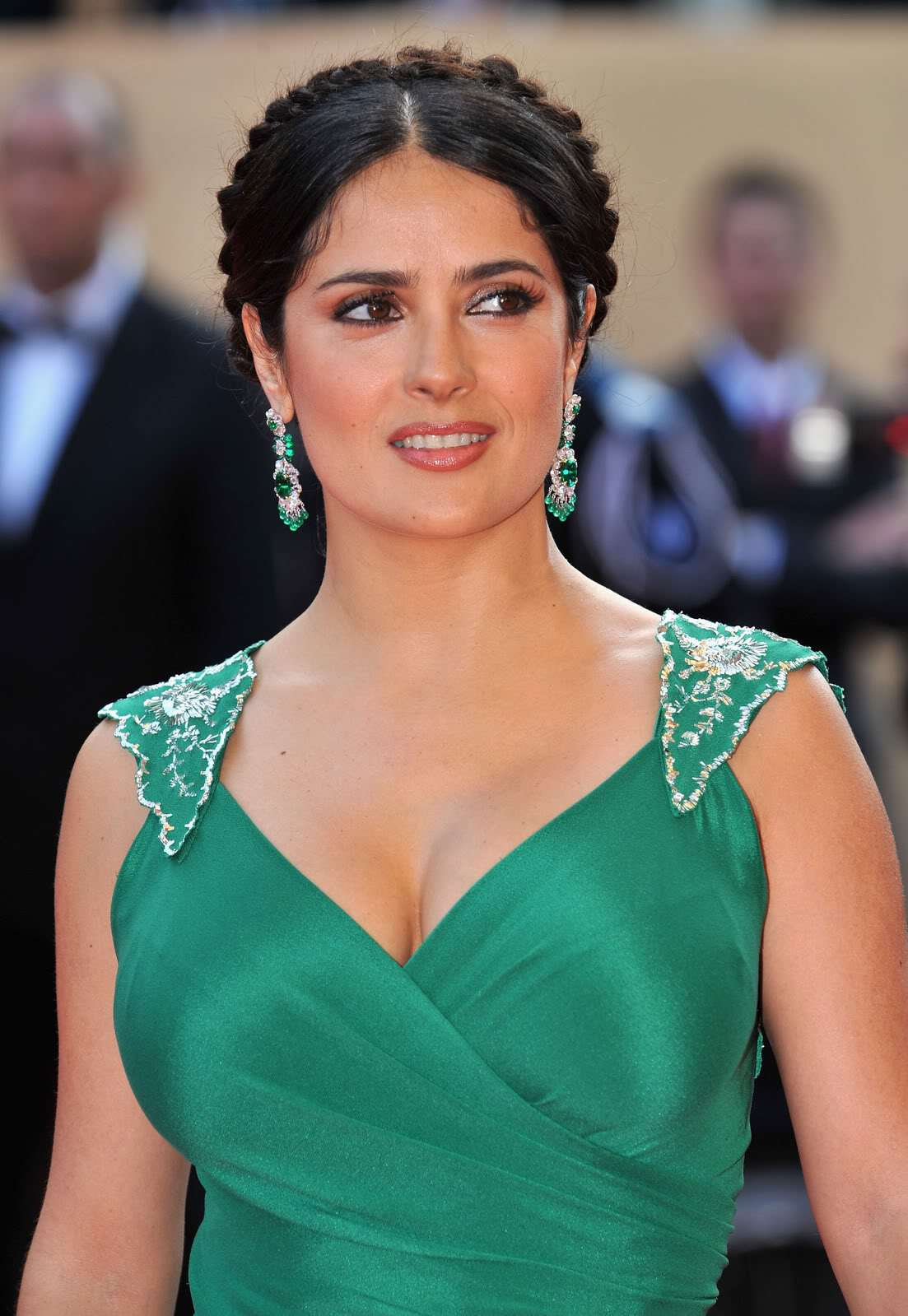 Salma Hayek- Crystal Skull Cannes Premiere - Sexy Actress Pictures | Hot Actress Pictures