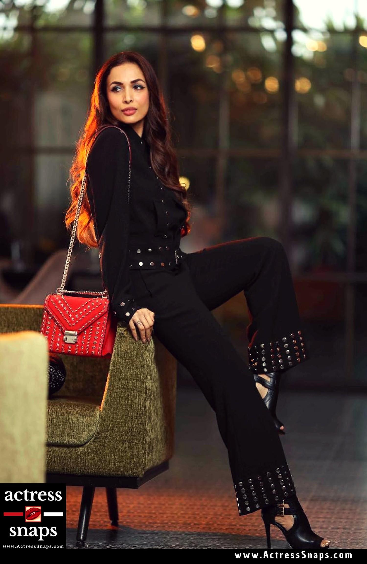 Top 15 Malaika Arora Photos - Sexy Actress Pictures | Hot Actress Pictures - ActressSnaps.com
