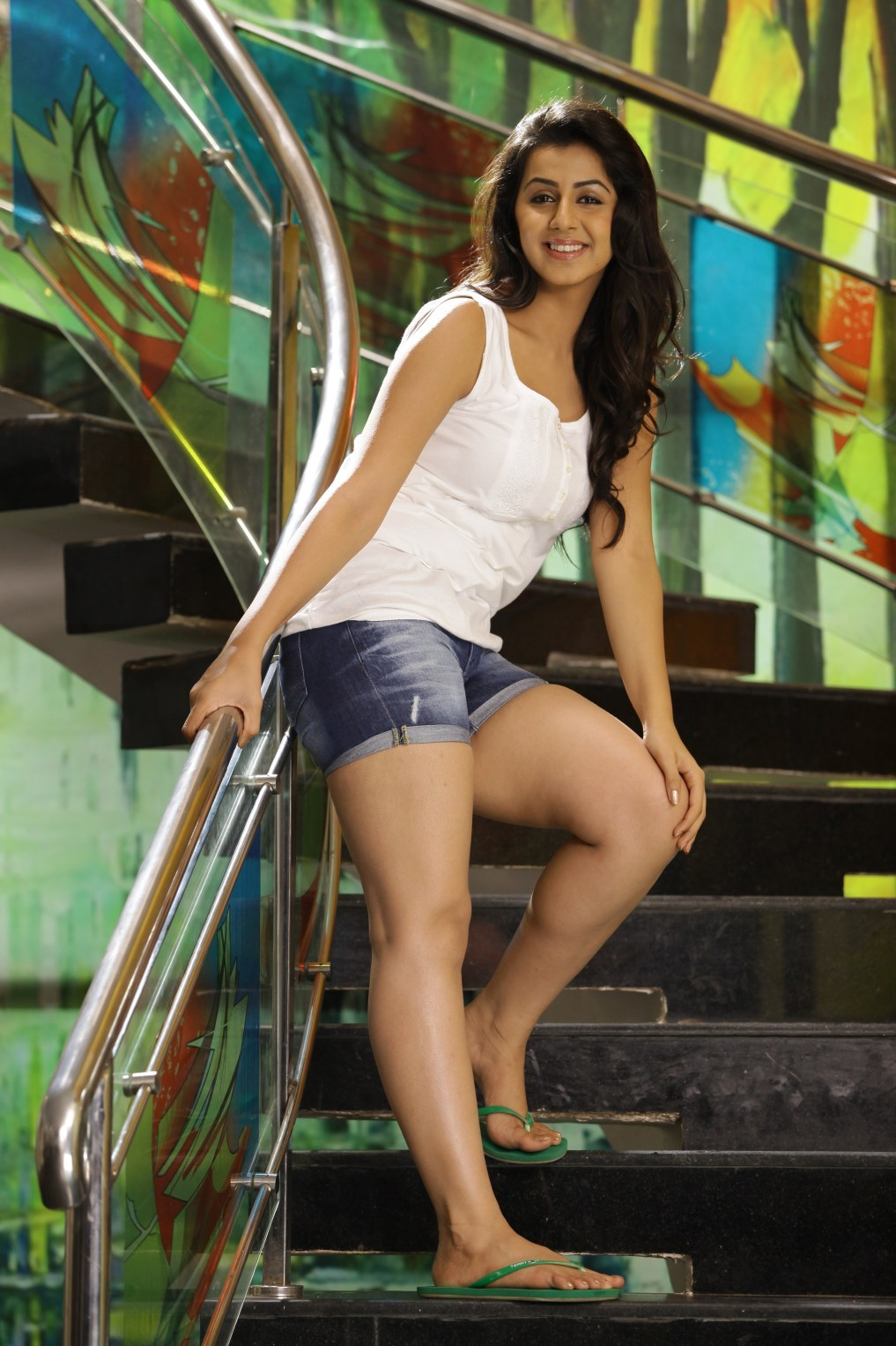 Nikki Galrani Hot Thighs Show Pictures - Sexy Actress Pictures | Hot Actress Pictures