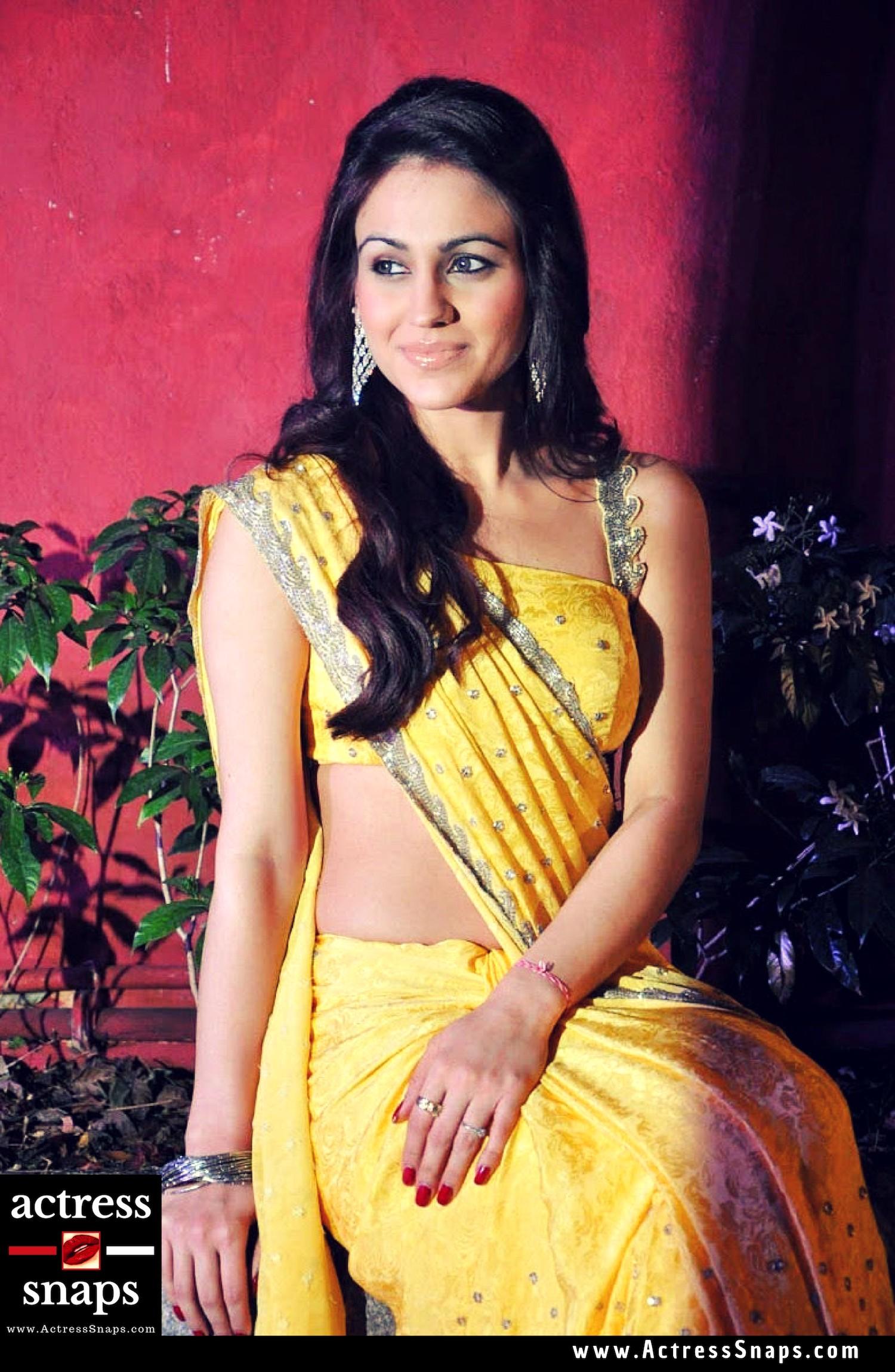 Sexy Aksha Pardasany Photos - Sexy Actress Pictures | Hot Actress Pictures - ActressSnaps.com