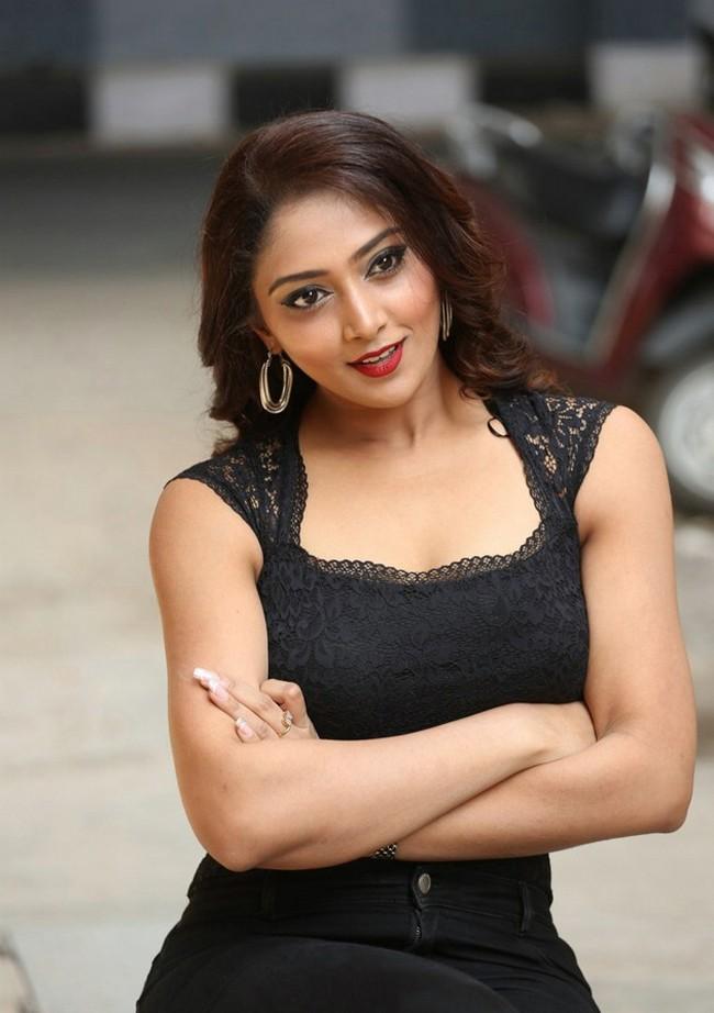 Actress Natasha Doshi Pictures - Sexy Actress Pictures | Hot Actress Pictures - ActressSnaps.com