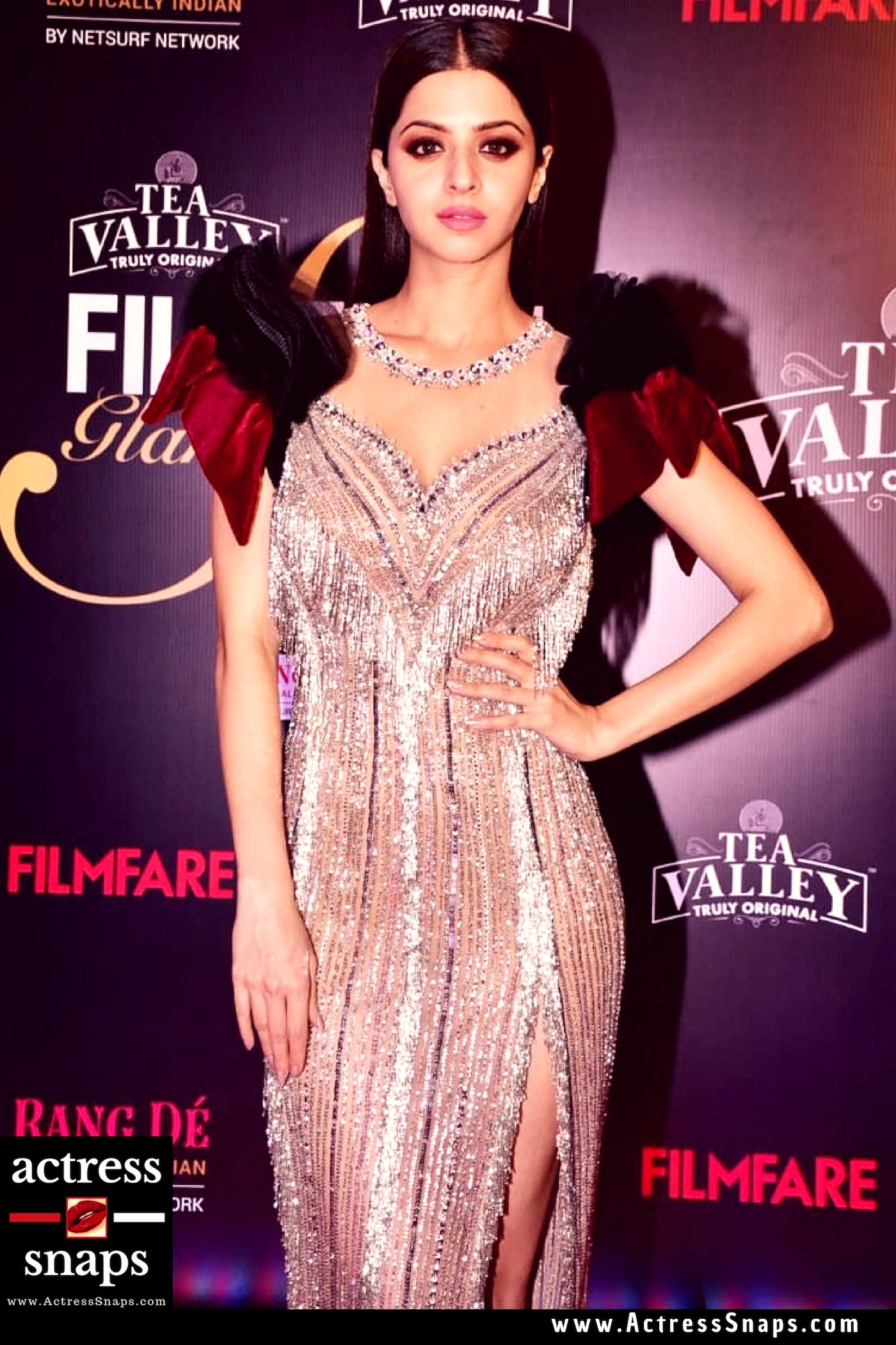 Sexy Vedhika Photos from filmfare Event - Sexy Actress Pictures   Hot Actress Pictures - ActressSnaps.com