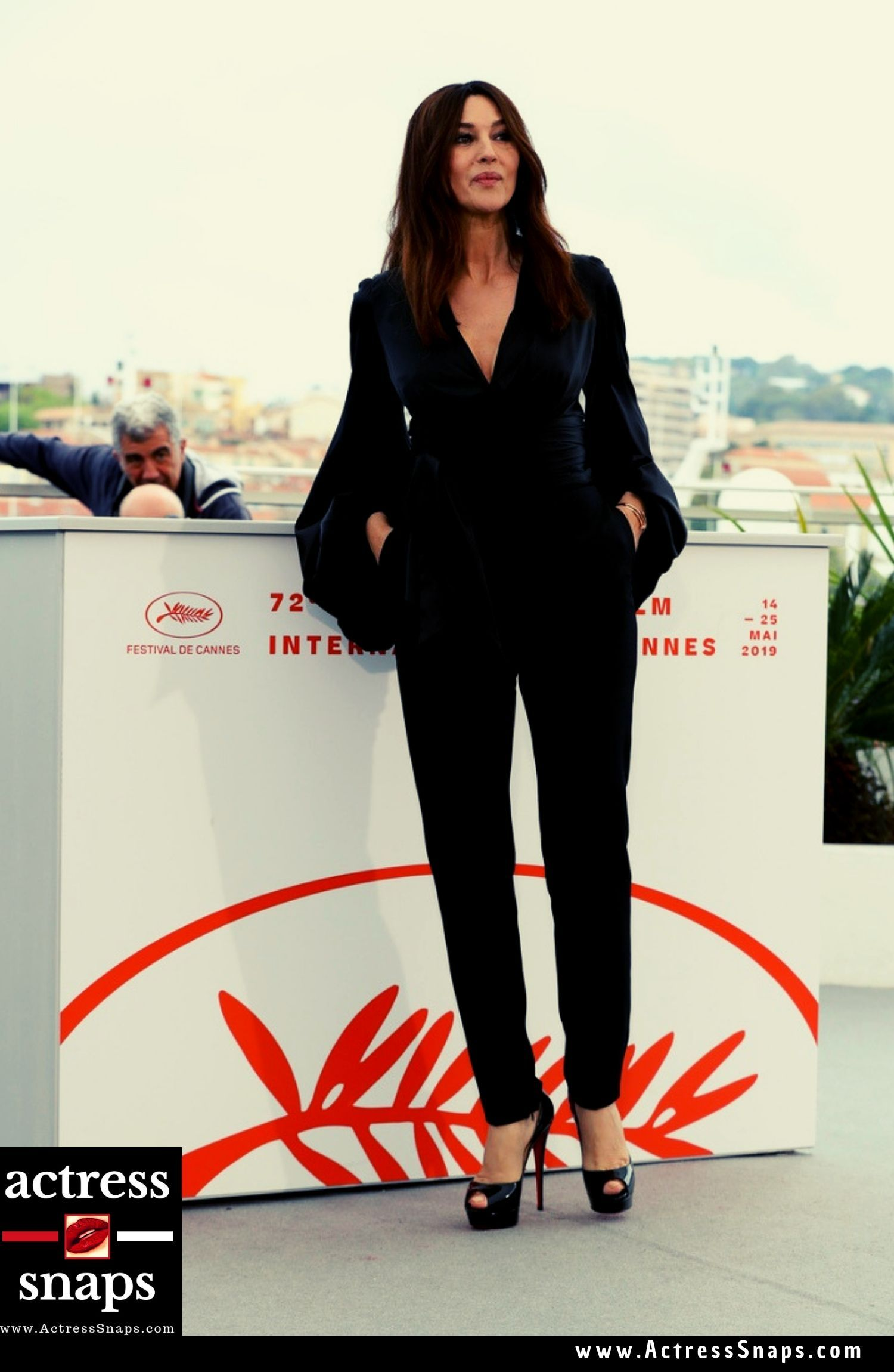 Monica Bellucci at 'Les Plus Belles Annees D'Une Vie' Photocall in Cannes - Sexy Actress Pictures | Hot Actress Pictures - ActressSnaps.com