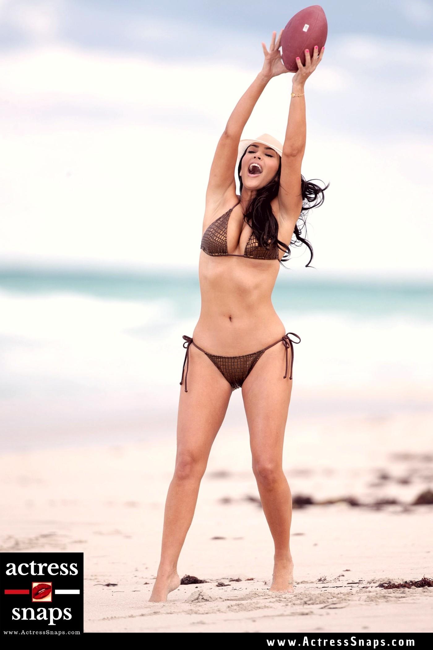 Sexy Kim Kardashian Beach Candids - Sexy Actress Pictures   Hot Actress Pictures - ActressSnaps.com