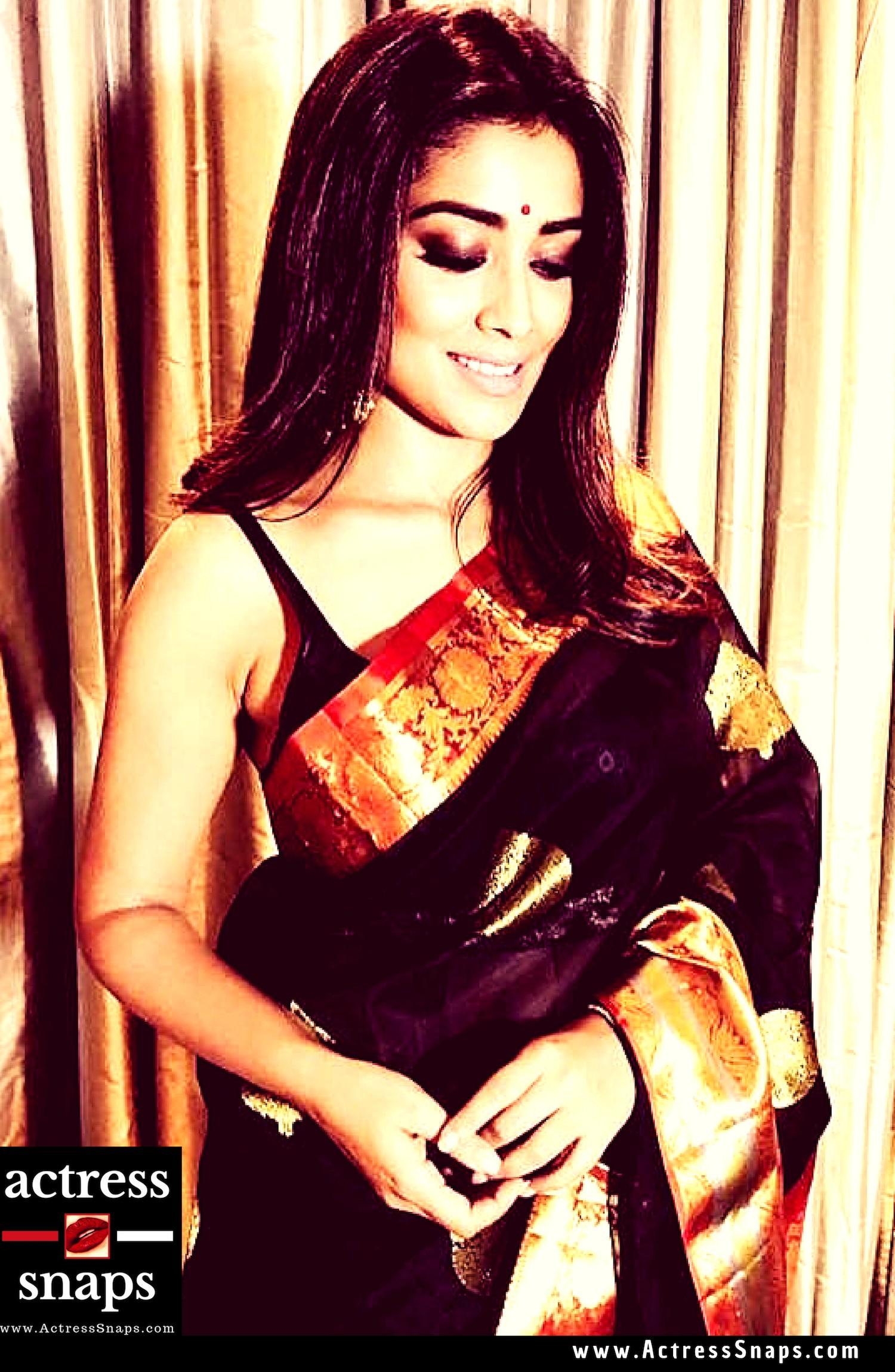 Sexy Shriya Saran Instagram Photos - Sexy Actress Pictures | Hot Actress Pictures - ActressSnaps.com