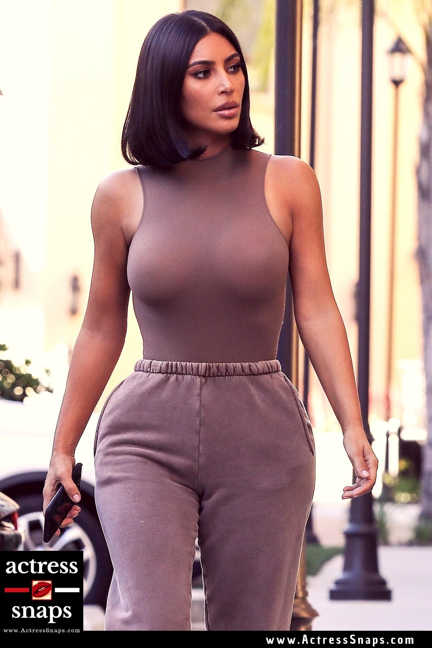 Latest Sexy Kim Kardashian Photos - Sexy Actress Pictures | Hot Actress Pictures - ActressSnaps.com