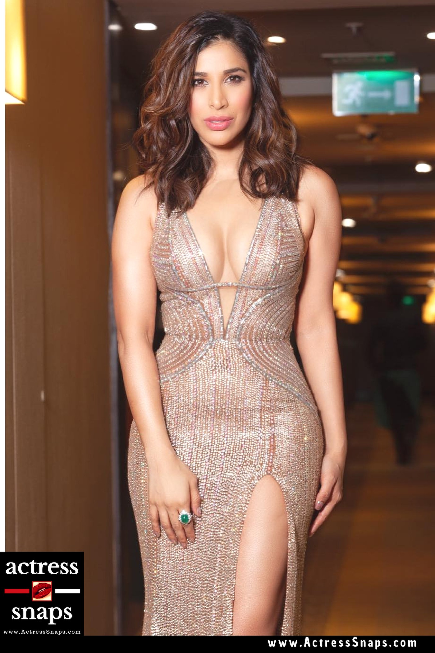 Sophie Choudry at Filmfare Event - Sexy Actress Pictures | Hot Actress Pictures - ActressSnaps.com