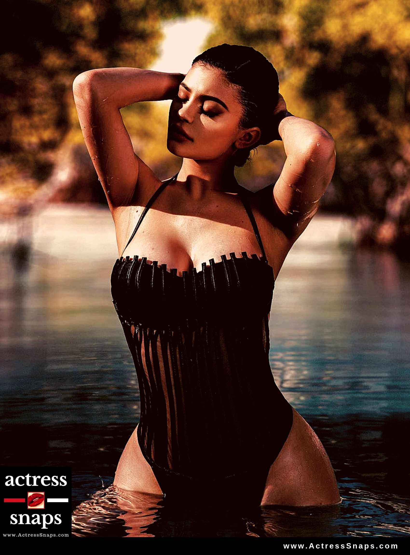 Sexy Kylie Jenner Photos Collection - Sexy Actress Pictures | Hot Actress Pictures - ActressSnaps.com