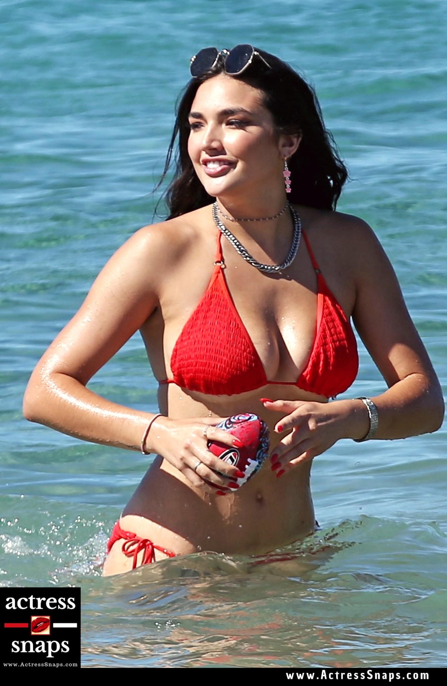 Sexy Hailee Lautenbach Bikini Photos - Sexy Actress Pictures   Hot Actress Pictures - ActressSnaps.com