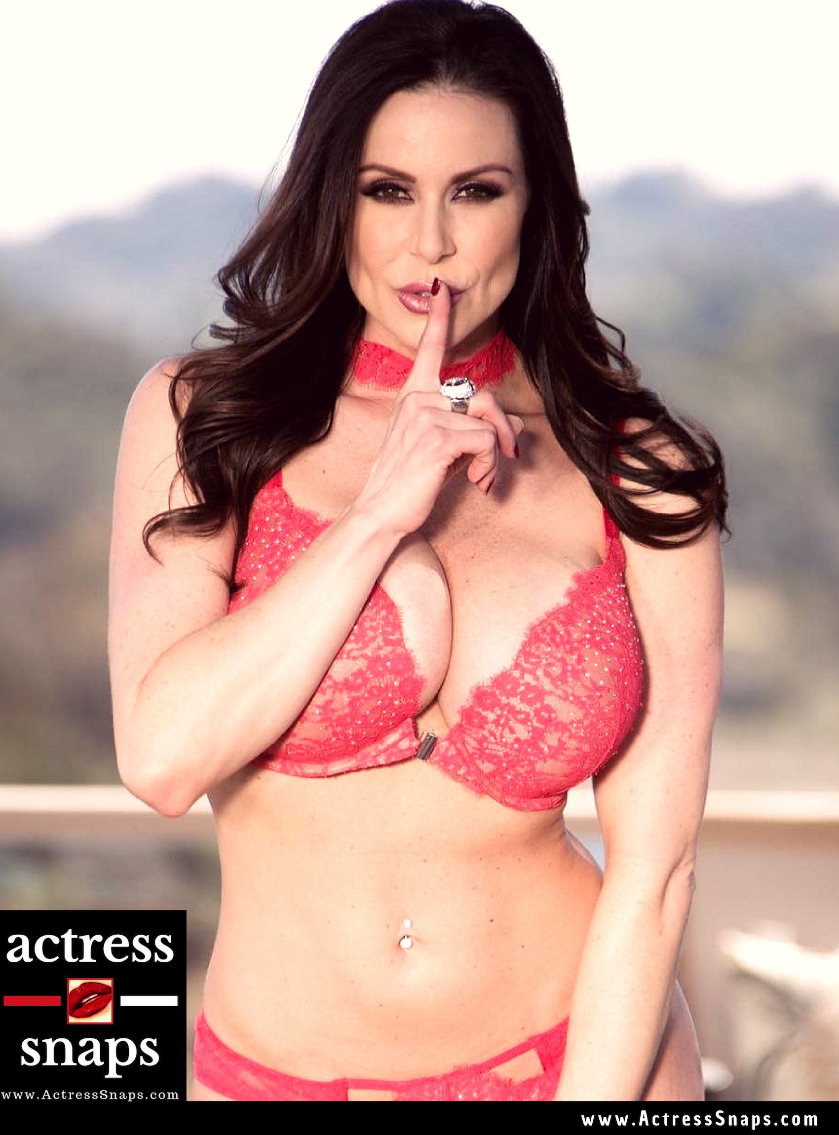 Sexy Photos of Kendra Lust - Sexy Actress Pictures | Hot Actress Pictures - ActressSnaps.com