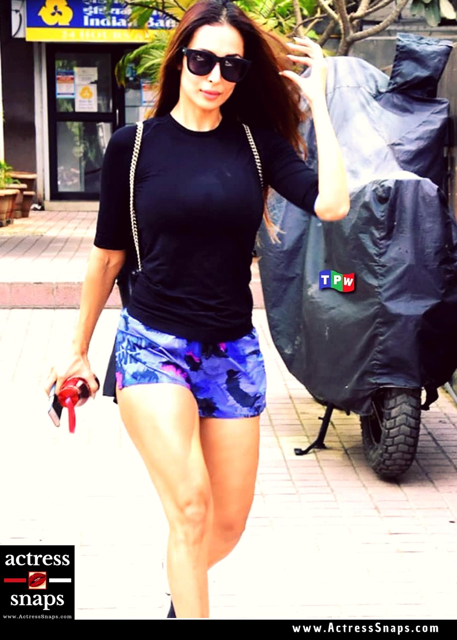 Malaika Arora Photos - Sexy Leg Show - Sexy Actress Pictures | Hot Actress Pictures - ActressSnaps.com