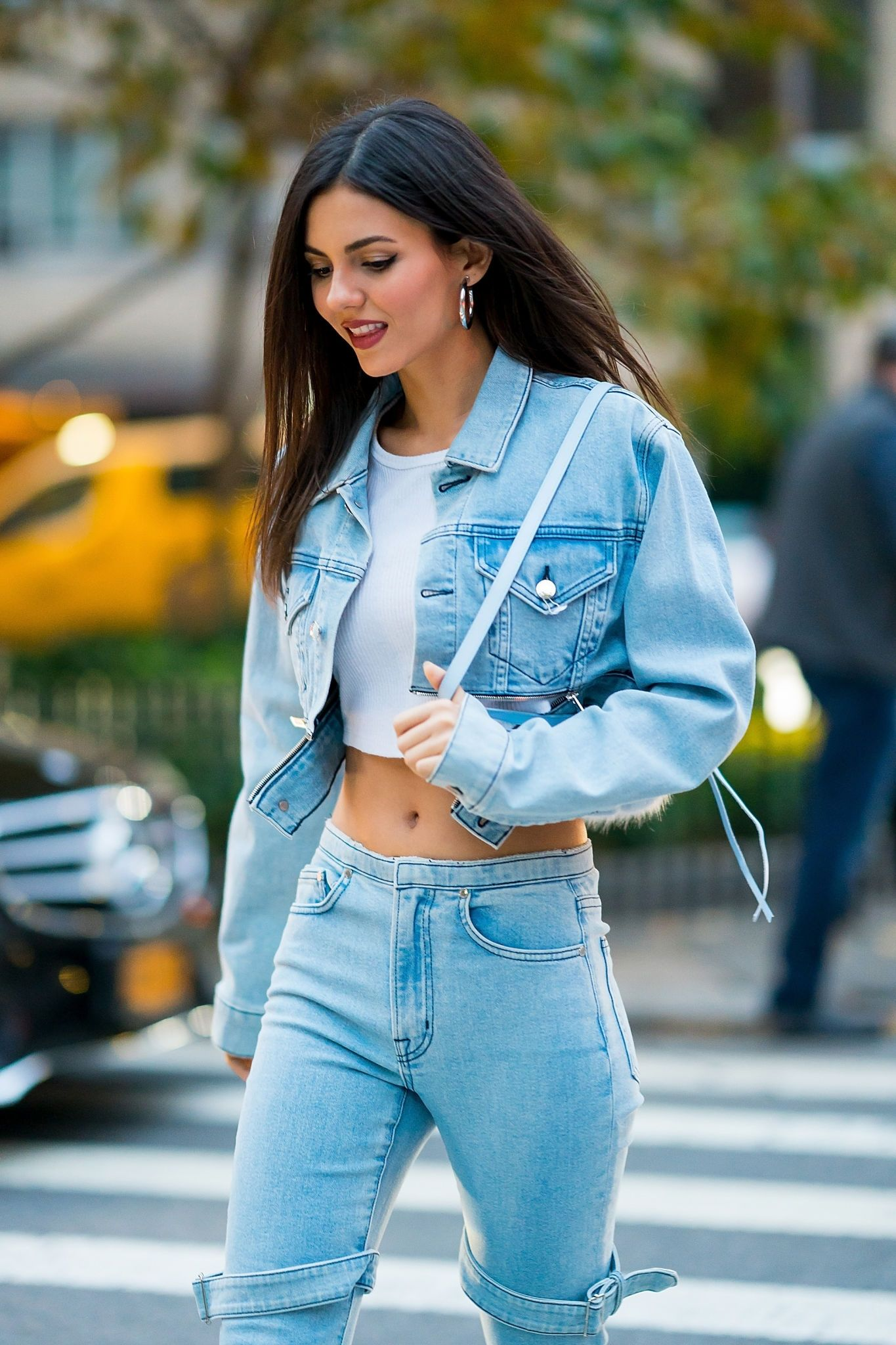 Victoria Justice - Sexy Denim Look - Sexy Actress Pictures | Hot Actress Pictures - ActressSnaps.com