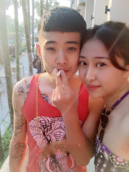 闺蜜女友王东瑶性感黑丝诱惑纹身男友浴室干到床上手持近景拍摄 果然有纹身的干起来都比较牛逼 比较持久