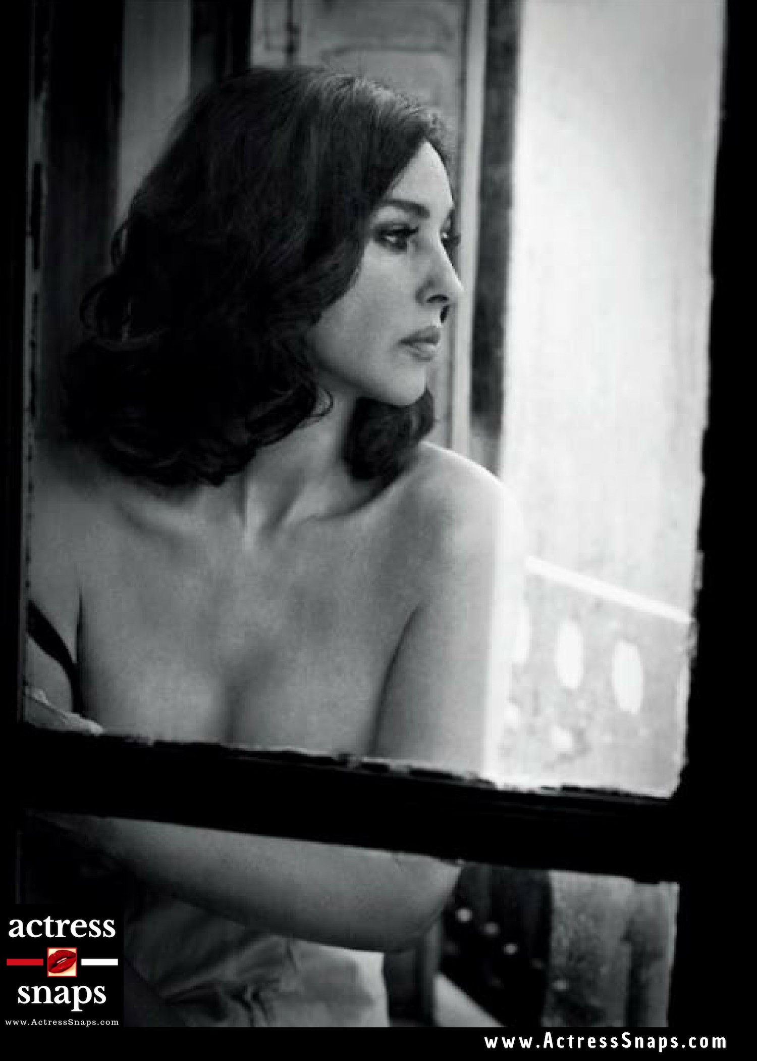 Monica Bellucci - Vincent Peters Photo Shoot - Sexy Actress Pictures | Hot Actress Pictures - ActressSnaps.com