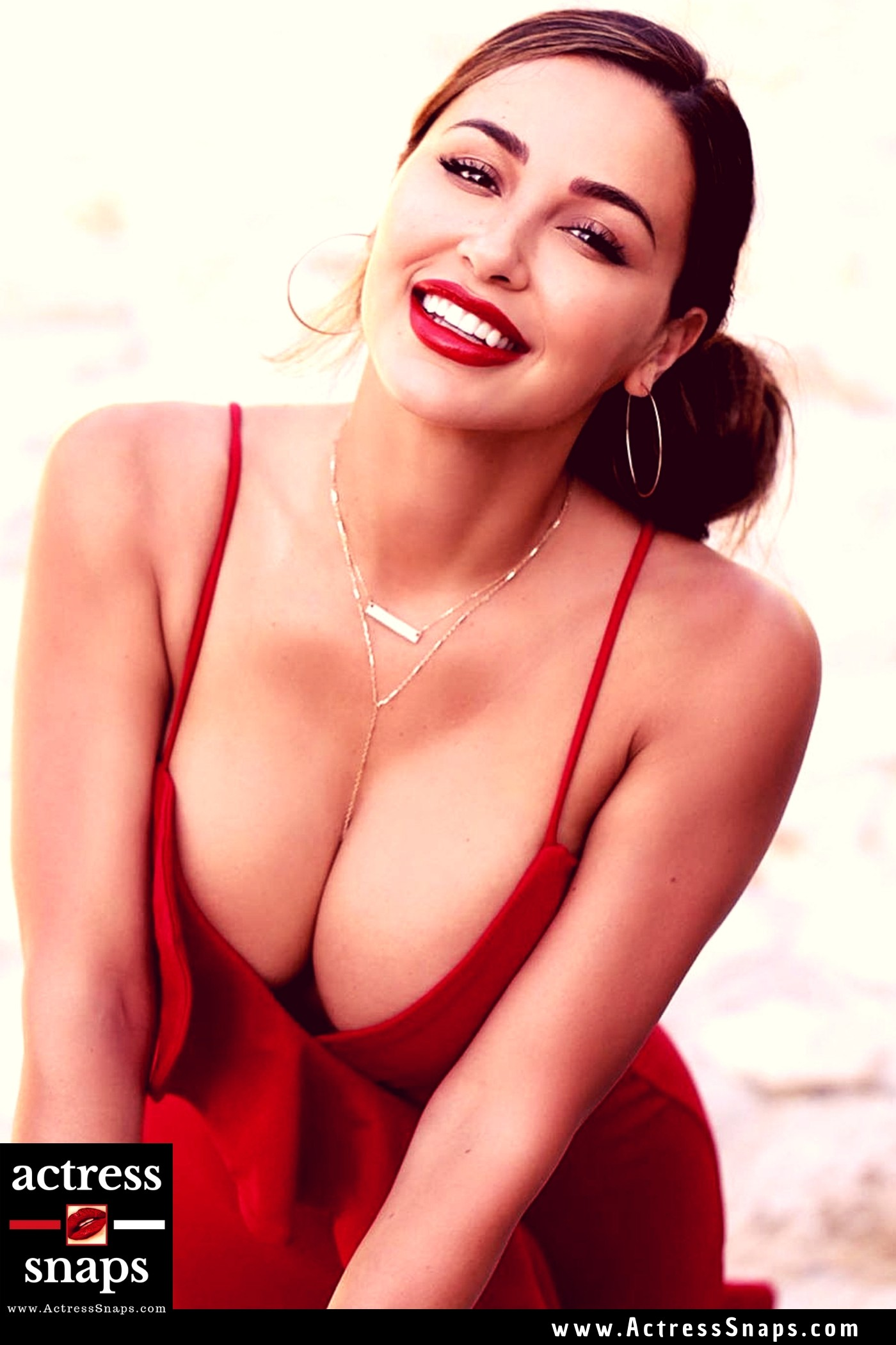 Sexy Ana Cheri in Red Dress - Sexy Actress Pictures   Hot Actress Pictures - ActressSnaps.com