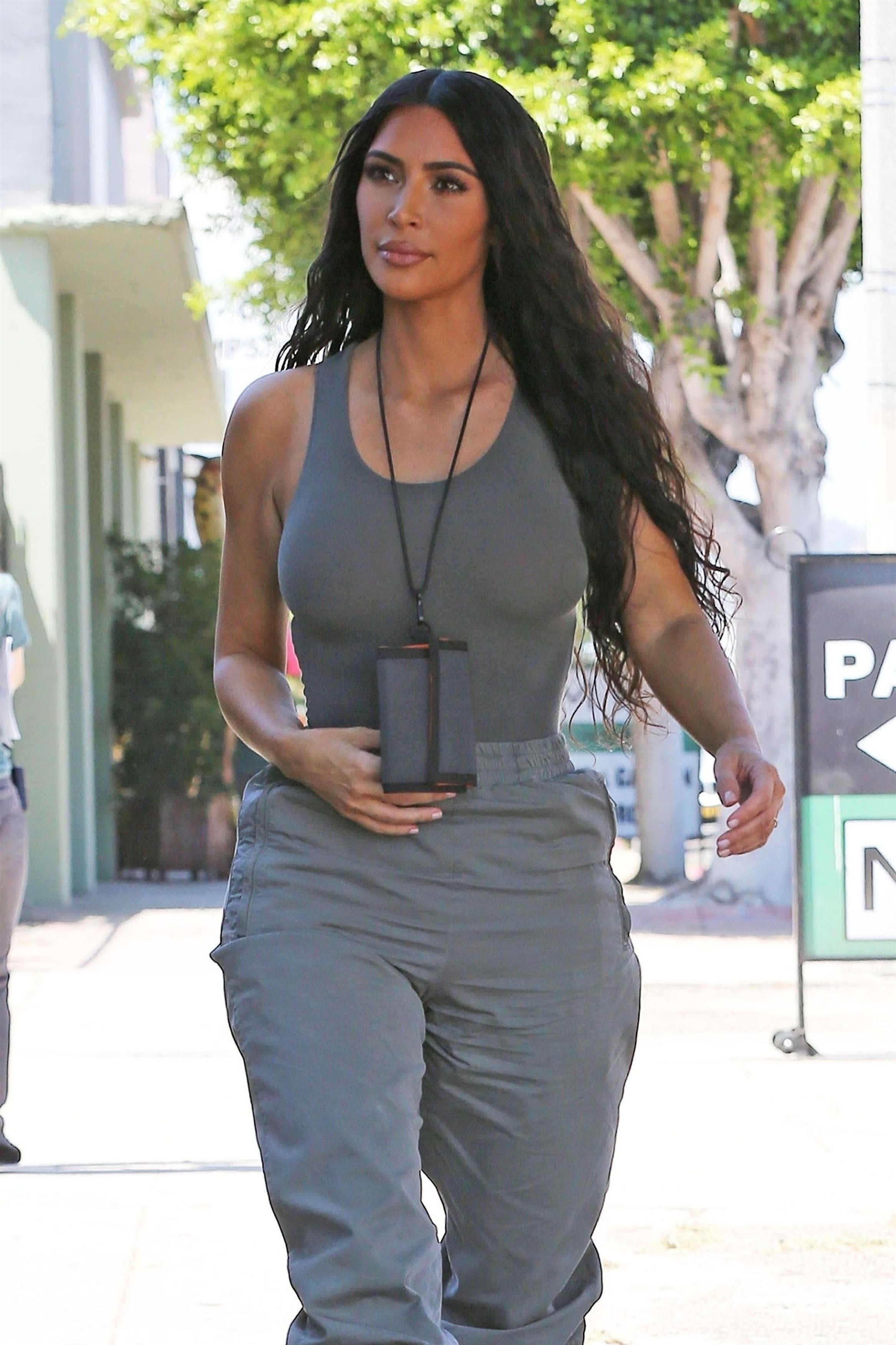 Latest Kim Kardashian Candid Pictures - Sexy Actress Pictures | Hot Actress Pictures - ActressSnaps.com