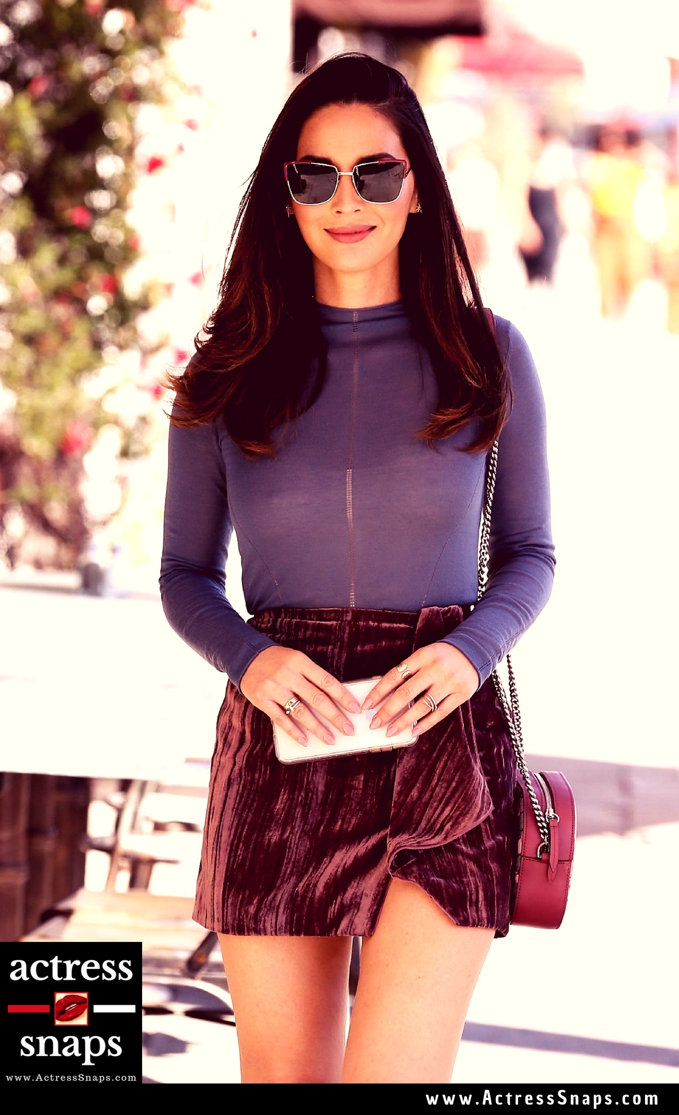 Olivia Munn - Sexy in Mini Skirt - Sexy Actress Pictures | Hot Actress Pictures - ActressSnaps.com