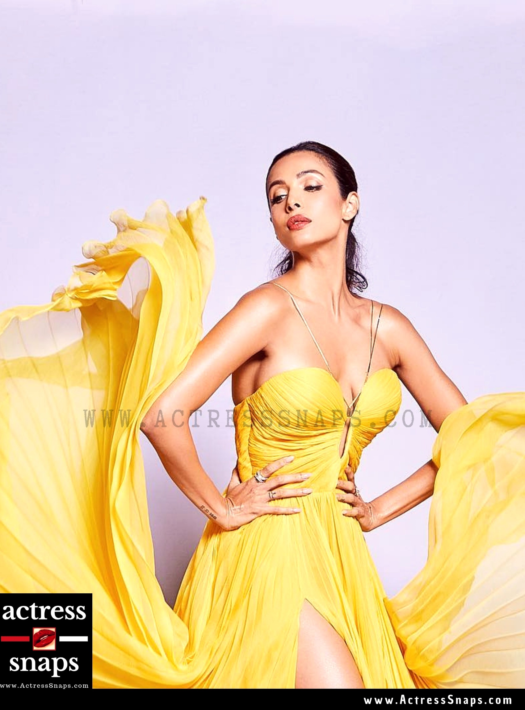 Malaika Arora - Sexy in Yellow - Sexy Actress Pictures | Hot Actress Pictures - ActressSnaps.com