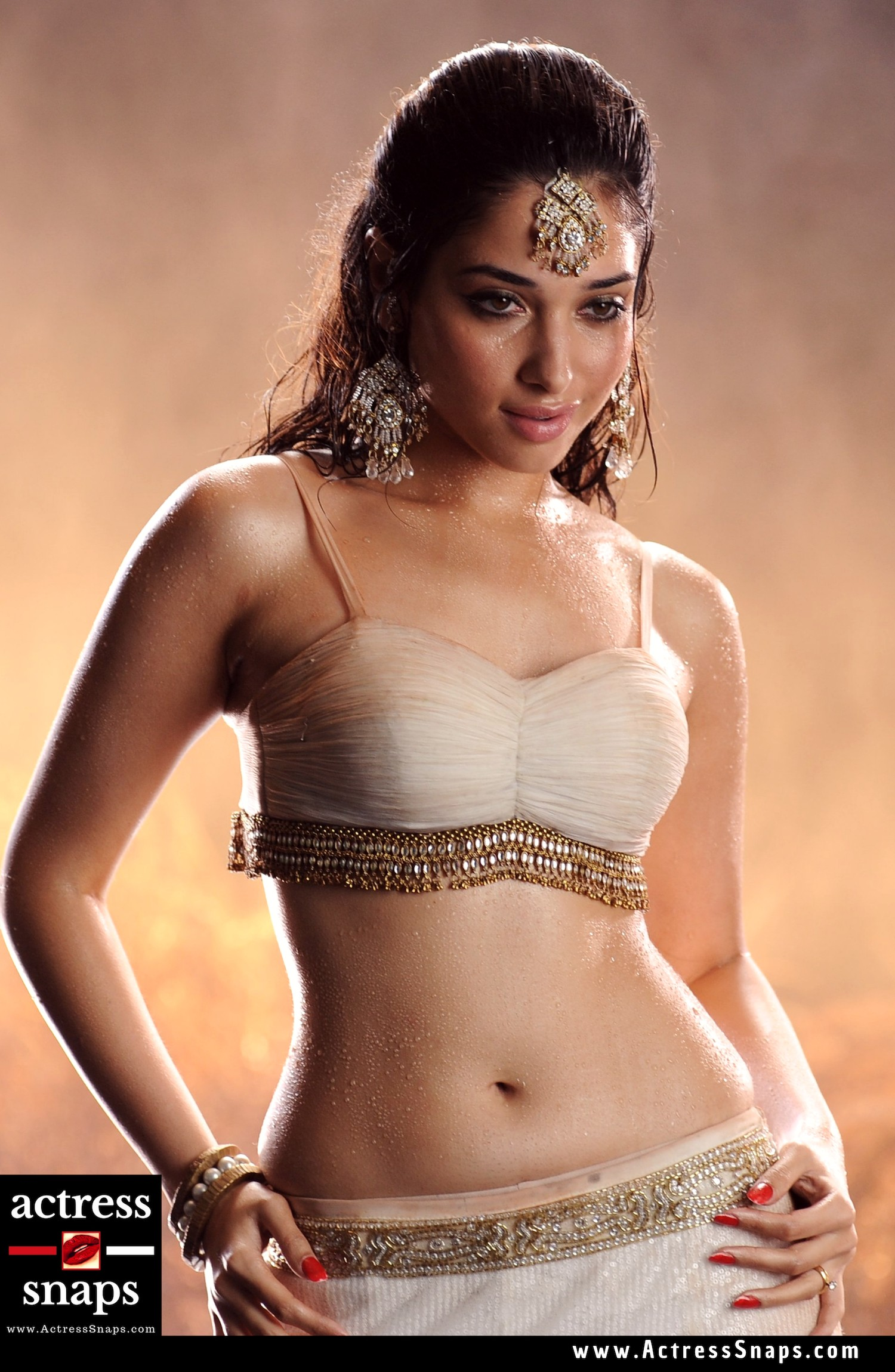 Tamanna vs Ileana - The Real Navel Queen - Sexy Actress Pictures | Hot Actress Pictures - ActressSnaps.com