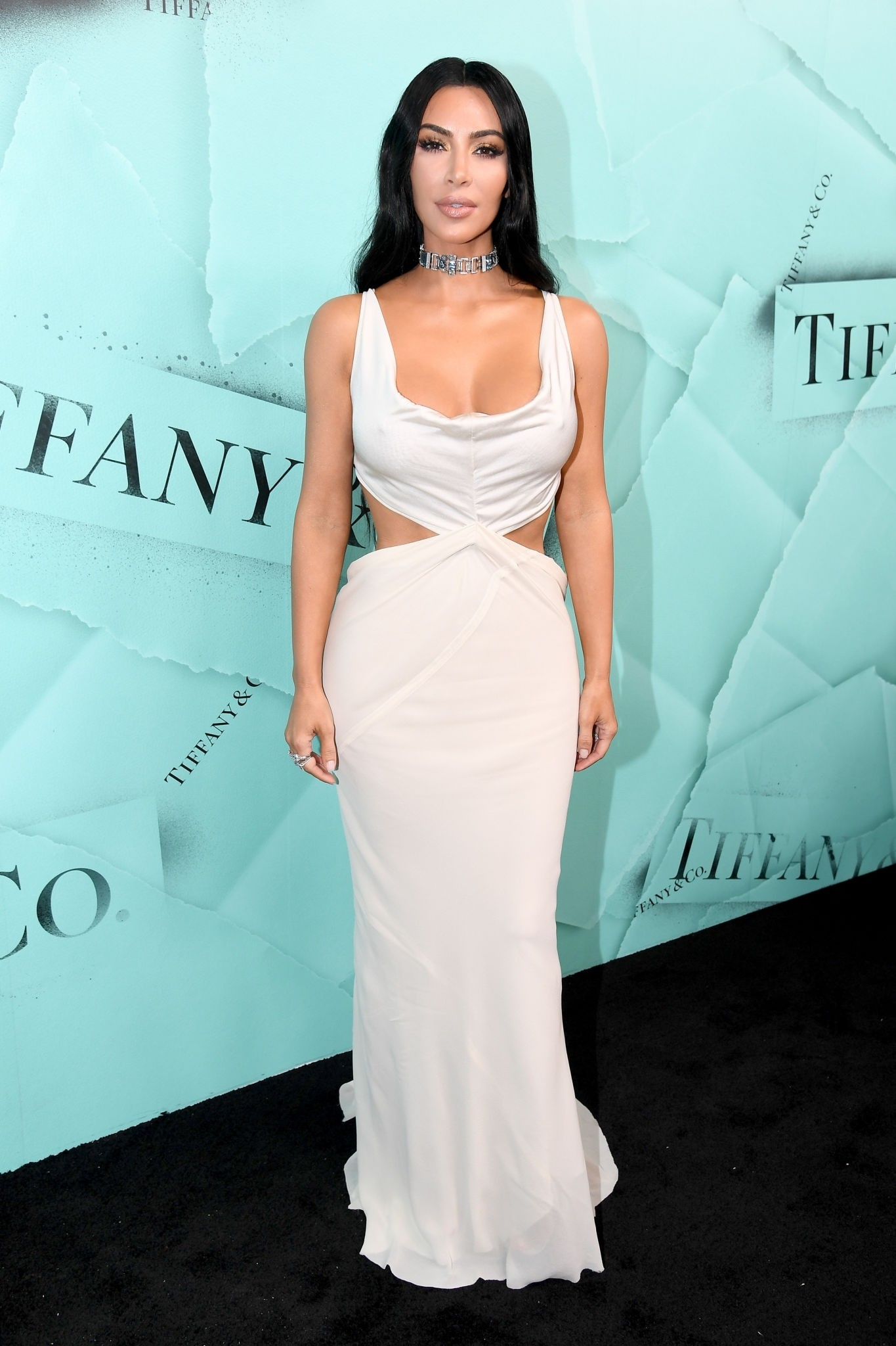 Kim Kardashian - Sexy In White Pictures - Sexy Actress Pictures | Hot Actress Pictures - ActressSnaps.com
