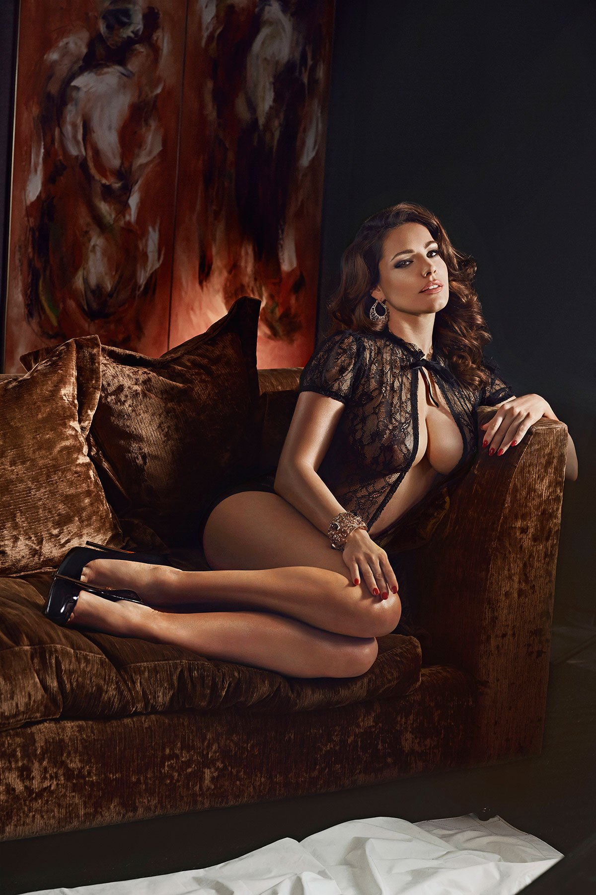 Sexy Kelly Brook 2014 Calendar Pictures - Sexy Actress Pictures | Hot Actress Pictures - ActressSnaps.com