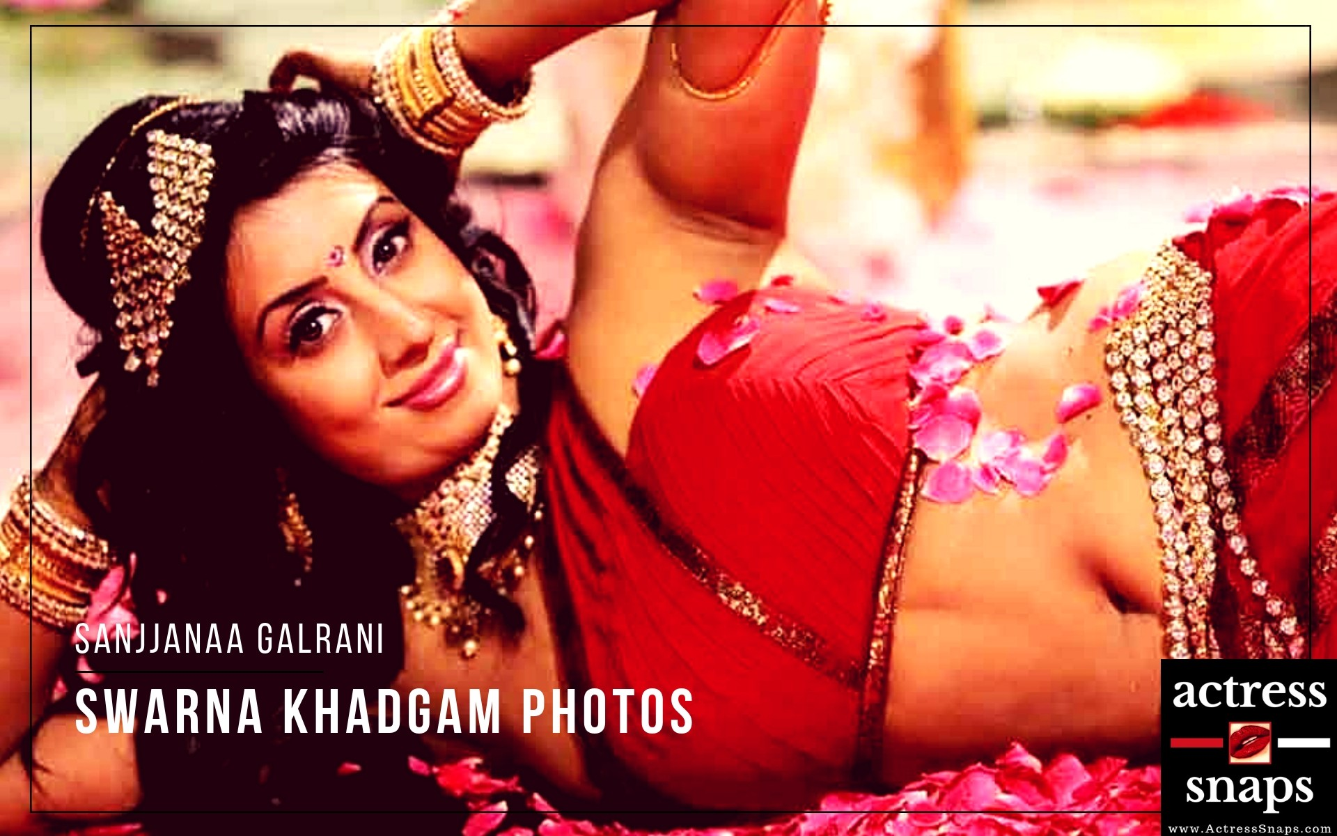 Sexy Sanjjanaa Galrani in Swarna Khadgam - Sexy Actress Pictures | Hot Actress Pictures - ActressSnaps.com