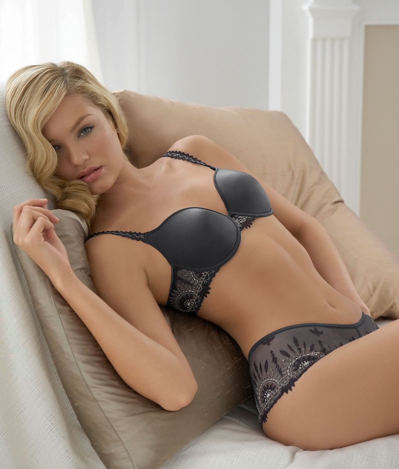 Candice Swanepoel Lingerie - Sexy Actress Pictures | Hot Actress Pictures