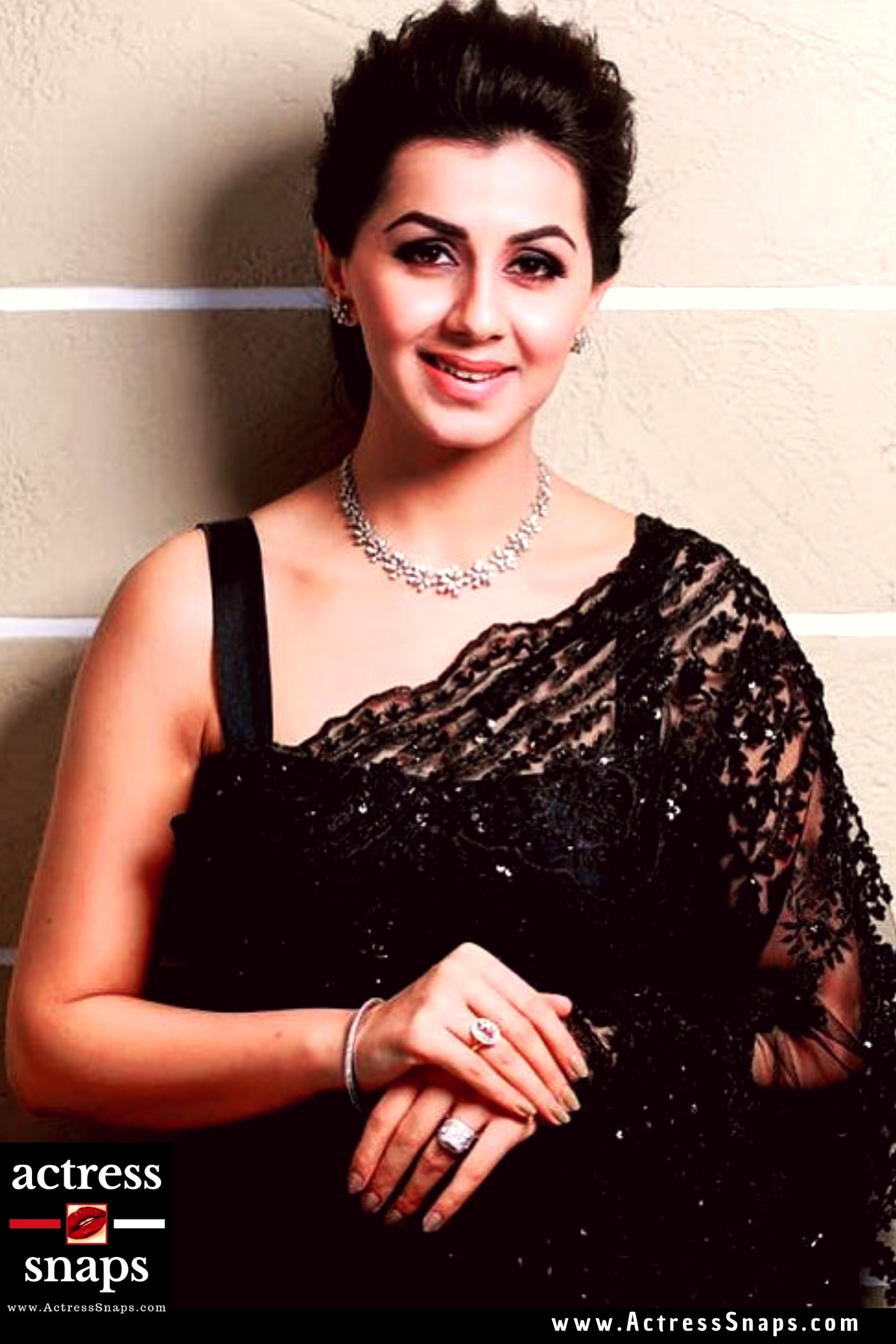 Beautiful Nikki Galrani in Black Saree - Sexy Actress Pictures | Hot Actress Pictures - ActressSnaps.com